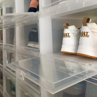 Drop Front Box Iris zur Sneaker Aufbewahrung.
